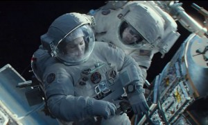 Sandra_Bullock_and_George_Clooney_defy_Gravity_in_paralysing_new_trailer