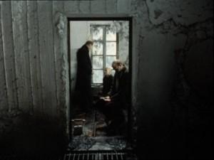 Les trois personnages de Stalker dans la chambre censée exaucer les voeux