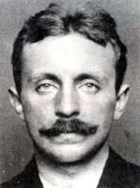 Raoul Villain