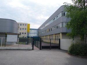 Lycée de banlieue parisienne