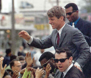 Bobby-Kennedy-stumping_1968