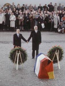 François Mitterrand et d'Helmut Kohl à Verdun le 11 novembre 1984