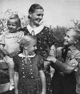 Image de propagande sur la famille allemande idéalisée dans l'Allemagne nazie