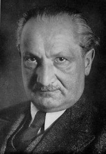 Martin_Heidegger-207x300 dans histoire culture